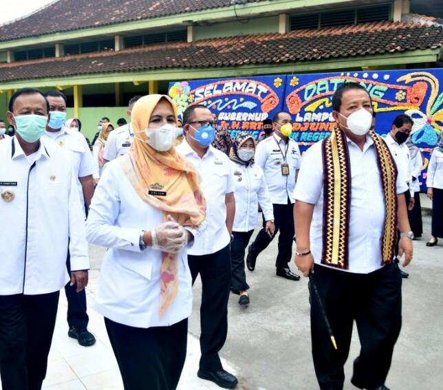 Gubernur Lampung  :