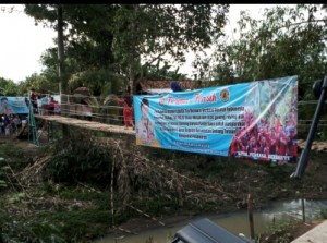 Gubernur Resmikan Jembatan Gantung Di Dua Desa Di Pesawaran