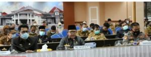 Pjs Bupati Lampung Selatan, Menyampaikan dua Raperda kepada DPRD setempat.