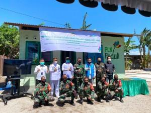 HUT TNI, PLN Bedah Rumah Prajurit di NTT Menggunakan FABA.