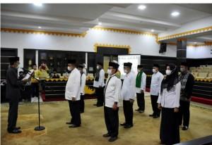 Pairin Kukuhkan Pengurus Masjid Taqwa Kota Metro.