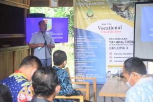 Bupati Umar Ahmad Buka Presentasi Politeknik Tunas Garuda