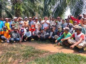 Usai Membuka Musrenbang,  Bupati Lam-Sel Tinjau Karyawan PTPN7 Repa.